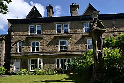 Glendon Guest House,  luxury holiday accommodation at Matlock in the heart of the Derbyshire Peak District